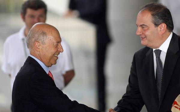 Οι πρών Πρωθυπουγοί Κ. Σημίτης και Κ. Καραμανλής.  (Photo :Fimes.gr)