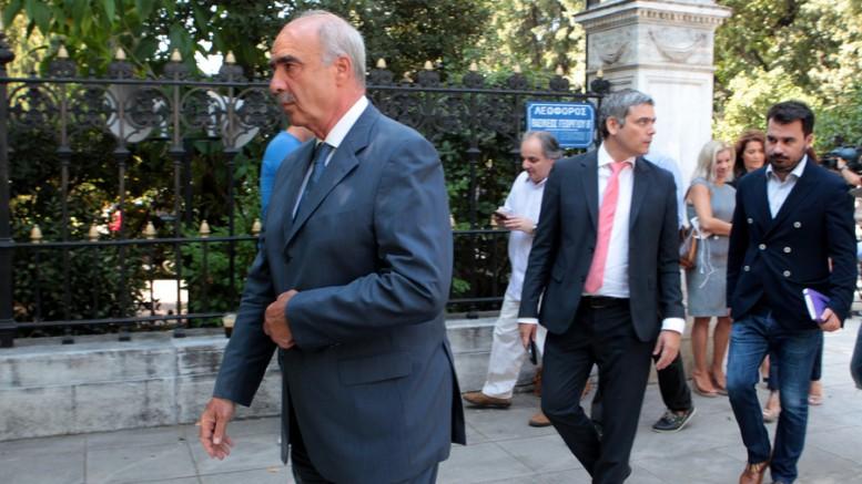 Ο Πρόεδρος της Νέας Δημοκρατίας Ευάγγελος Μεϊμαράκης εξέρχεται από το Προεδρικό Μέγαρο με την εντολή για την διακρίβωση δυνατότητας σχηματισμού Κυβέρνησης που να απολαμβάνει την εμπιστοσύνη της Βουλής.  Παρασκευή 21 Αυγούστου 2015. (Φωτό: AΠΕ-ΜΠΕ/ ΠΑΝΤΕΛΗΣ ΣΑΪΤΑΣ)