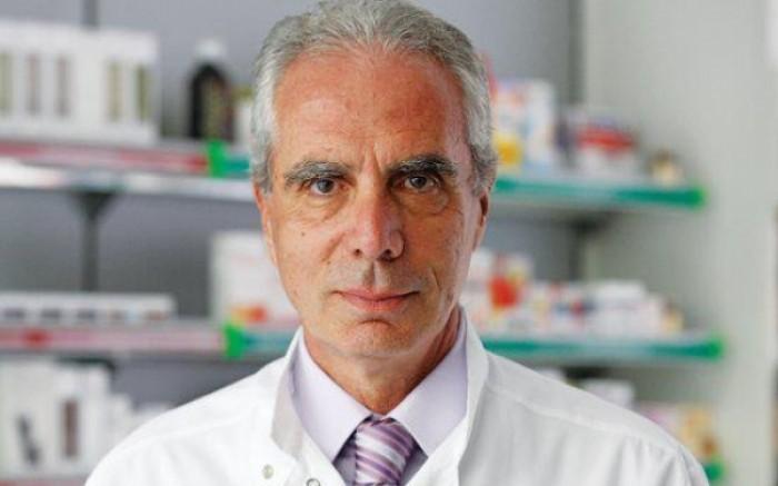 """Ο προέδρος του Πανελληνίου Φαρμακευτικού Συλλόγου (ΠΦΣ) Κώστας Λουράντος, μας εξήγησε ότι """"οι πεθιδίνες δεν έχουν καμία σχέση με το... ντεπόν, ανήκουν στα ναρκωτικά, τα οποία χορηγούνται με δίγραμμη ιατρική συνταγή. Αυτά που ισχυρίζεται η αναισθησιολόγος δεν έχουν την παραμικρή βάση...""""."""