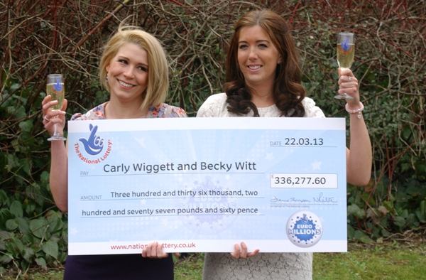 Dartford lottery win with cheque